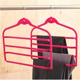 2 hangers voor 4 broeken
