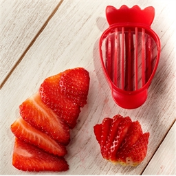 3 in 1 strawberry cutter