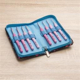 Tasche mit 8 Häkelnadeln