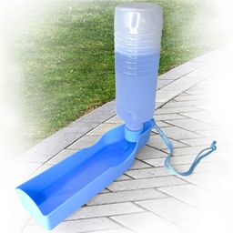 Portable flask for pets