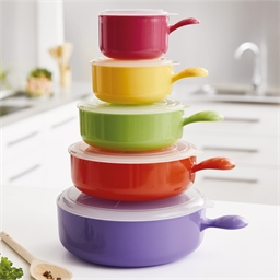 5 colourful microwave saucepans