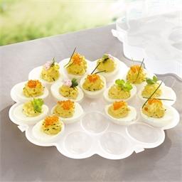 Dienblad geprepareerde eitjes