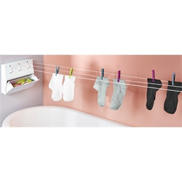 Dryer with 3 retractable clothes lines
