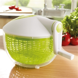 Salad spinner with crank handle