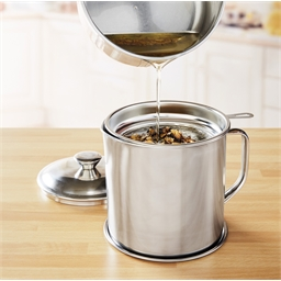 Fryer oil pot with filter