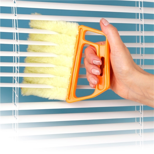 7 brush Venetian blind cleaner