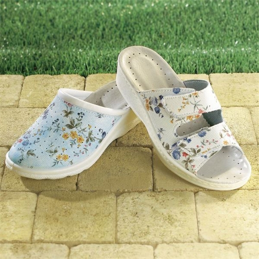 Flowered slides white or blue
