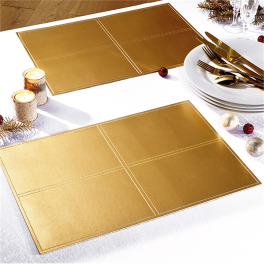 "4 ""Gold"" tablemats"