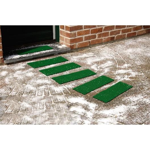 Non-slip turf mats