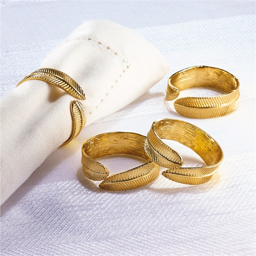 4 feather serviette rings