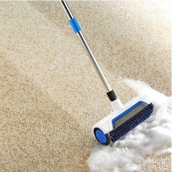 Roller carpet cleaner