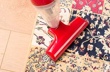 Vacuum cleaners and steam cleaners