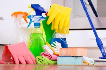 Haushaltspflege und -reinigung